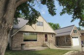 smart-home-building-systems-calgary-roofing-contractor-standing-seam