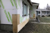 smart-home-building-systems-edmonton-siding-gallery-insulation-2